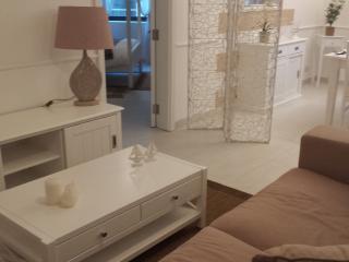 luxary 2 bedroom apartment in Ghajnsielem
