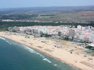 House in Monte Gordo Algarve at 400m of beach