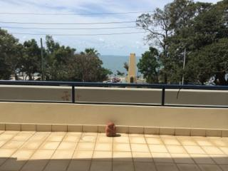 Spectacular views of Moreton Bay from this 2 bedroom fully furnished modern holiday apartment, Redcliffe