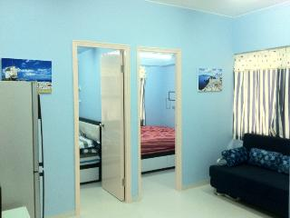 Romantic 2 Rooms 2Mins MTR Mong Kok, Hong Kong