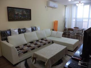 2 bedroom apartment in Bat Yam near the sea
