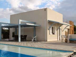Villa Mediterranea extralusso con piscina