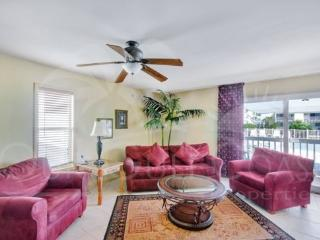 Quiet and Cozy - Best Deal on the Island!, Pensacola Beach