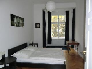 Lovely 3 rooms(2 bedrooms)-95m2-Charlottenburg
