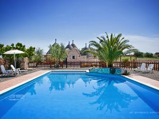Trulli il Castagno: holiday home with two bedrooms, Martina Franca