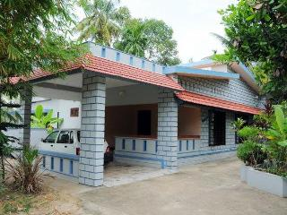 Idyllic Riverside Retreat in Kochi - Vacation Home, Kochi (Cochin)