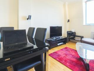 Modern Flat 10 min to Central London, Londres