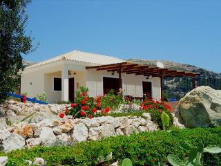 Little naturist villa with private pool in the gre, Skala