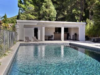 Holiday rental Villas Cassis (Bouches-du-Rhone), 450 m2, 12 500 €