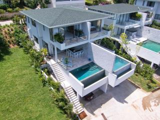 Amazing 3 story luxury villa with private pool