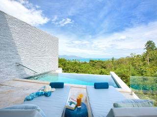 Shades of Blue Luxury Vacation Rental, Choeng Mon