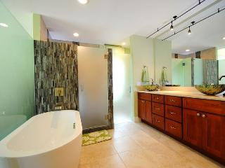 Palms at Wailea #205, 2Bd/2Ba, Luxurious, Spacious, Fantastic Location!