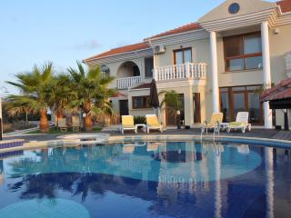 Exclusive Executive 4 Bedroom Front Line Villa, Tatlisu