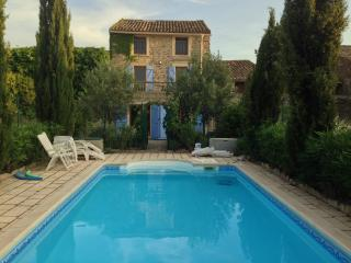 Ivy House Oupia. Village house with pool. Sleeps10