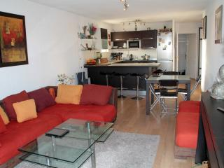 ANTIBES CENTRE VILLE 2BR CLEAR  WIFI PARKING