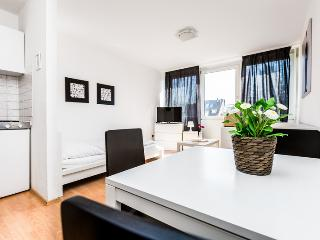 53 Cozy single apartment in Cologne Höhenberg, Colonia