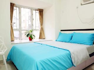 Mong Kok Center, 2 bedrooms with private garden, Hongkong