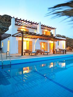 6-8 person villa