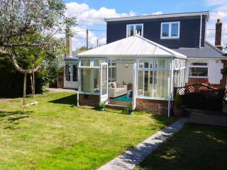 Well equipped family house,so much space! Nr beach, Camber