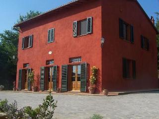 Special Price! Tuscan villa, Pool, Tennis court, BBQ, near Pisa+Firenze