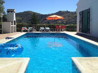 3 Bedroom Villa close to Competa with private pool, free wi-fi and air con