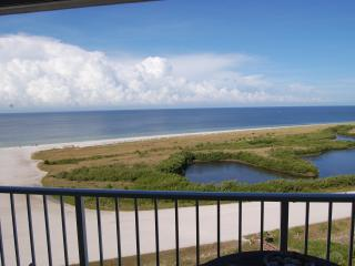 Condo on the beach with unobstructed Sunset view, Marco Island
