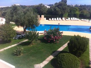 Larger than average T2 Holiday Apartment in Alvor