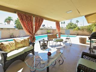 Charming 5BD entire home with pool, Phoenix