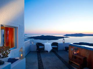 Nonis - Standard Double Room 1075, Fira