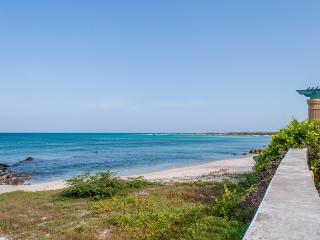 BEST VALUE Ocean Front ON THE BEACH 3 Bedroom Vill