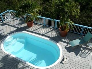 Starshine Villa-Traditional Style 3 Bed/3 Bath, Pool, Hot Tub, and Sunset Views!