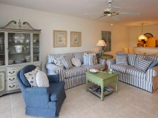 Eaglewood Condo at Lely Golf area