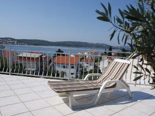 Apartment Decor, Okrug Gornji