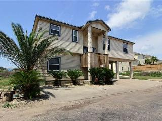 Spacious 5 bedroom home in beachfront La Playa!, Port Aransas