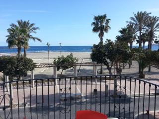 Apartamento en primerísima línea de playa, Carboneras