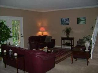 3-Story Townhouse Centrally Located West County, Creve Coeur
