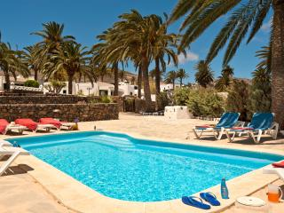 Villas Finca la Crucita 3 Beds with Pool and Wifi, Haría