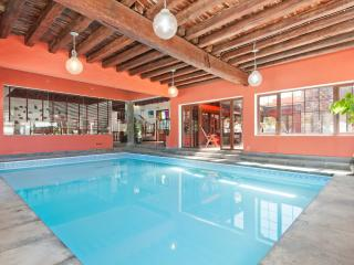 Villa Haria Indoor Pool, 3beds ,Wifi,BBQ & Garden, Haría