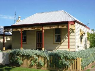 ROSALIE COTTAGE - Port Fairy, VIC