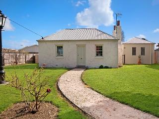DORAN COTTAGE - Port Fairy, VIC