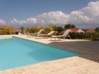 VillaTracey! Luxury Sosua Gated 4BR Ocean View Walk to Town/Beach Pool Maid #26