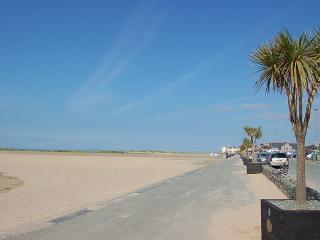 Mor Iwerddon family holiday home near the beach, Barmouth