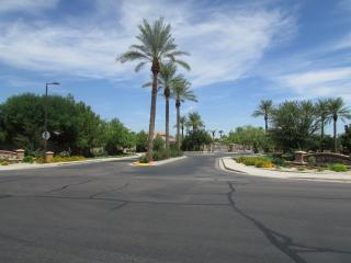Beautiful  Home in a Private and Gated Community, Chandler