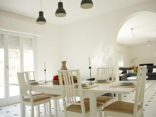 Kanza: Modern spacious apartment with terrace, Trapani