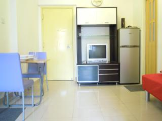 Tidy 2 Bedroom at Mong Kok Close to MTR in Hong Kong