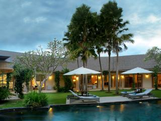 Bali Garden Villa - 4 Bedroom luxury villa  in Brawa Beach Close to Seminyak, Bali