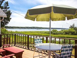 ADELM - Waterfront Lagoon, Deck with Gorgeous Sunset Views, WiFi