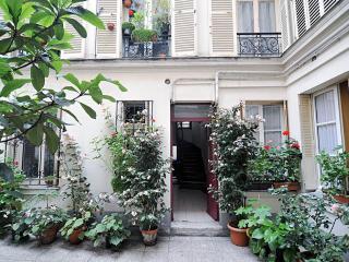 Cosy Apartment in Montmartre, Paris