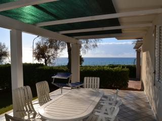 Beautiful Seafront Villa Marianna