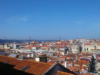 An Amazing View 3BR+2Bath+WIFI, Lisbon